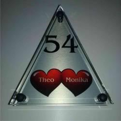 Glazen naambordje Driehoek 2 rode hartjes